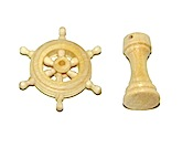 34313 - Ships Wheel w/Pedestal - 22mm